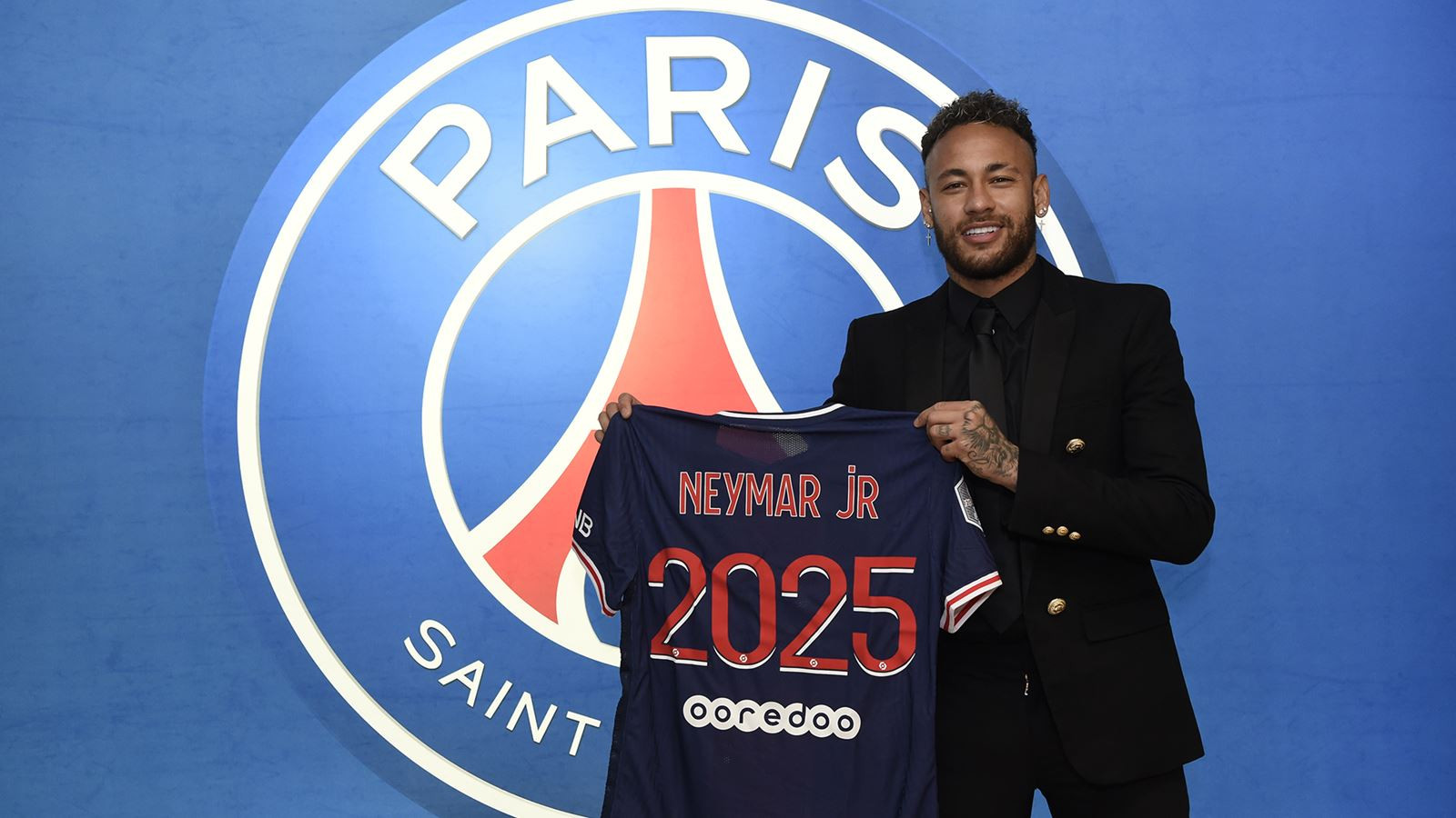 Neymar signs new contract extension with Paris Saint Germain until 2025